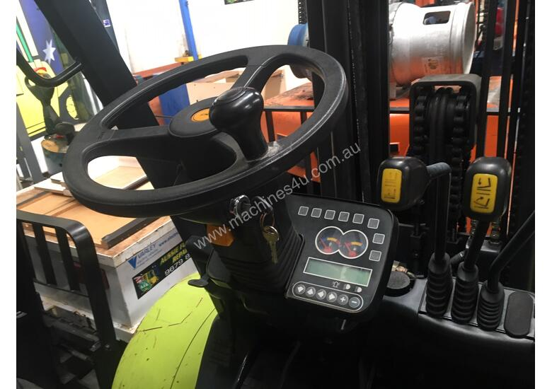 Forklift 3.5 ton Container Mast