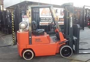 Nissan Forklift 3 Ton 5700mm Lift Container mast New Paint Negotiable