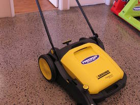 Karcher KM70/20 very high quality hand sweepers - picture3' - Click to enlarge
