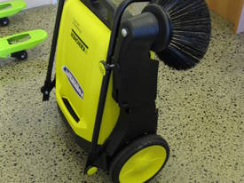 Karcher KM70/20 very high quality hand sweepers - picture8' - Click to enlarge