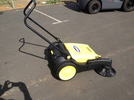 Karcher KM70/20 very high quality hand sweepers - picture10' - Click to enlarge