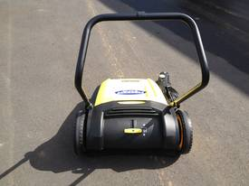 Karcher KM70/20 very high quality hand sweepers - picture11' - Click to enlarge