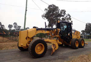 Caterpillar 12M Artic Grader Grader