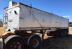 JAMOR grain trailer