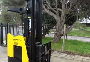 Hyundai 15BRP - 7 Ride On Electric - Reach Truck