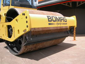 BOMAG BW213DH-4 VIBRATING SMOOTH ROLLER - picture2' - Click to enlarge
