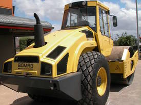 BOMAG BW213DH-4 VIBRATING SMOOTH ROLLER - picture6' - Click to enlarge