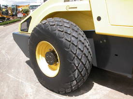 BOMAG BW213DH-4 VIBRATING SMOOTH ROLLER - picture7' - Click to enlarge
