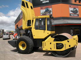 BOMAG BW213DH-4 VIBRATING SMOOTH ROLLER - picture11' - Click to enlarge