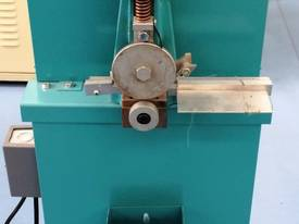 RUOFF AUTOFEED NOTCHING MACHINE - picture0' - Click to enlarge