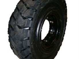 Rim and Solid Tyre 700 x 12 Komatsu & Mitsubishi - picture0' - Click to enlarge