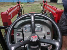 Mahindra 6110 CAB 4WD Tractor - picture19' - Click to enlarge