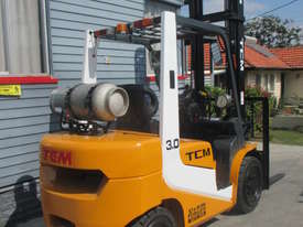 TCM 3 ton LPG, Weight Gauge,  Used Forklift - picture4' - Click to enlarge