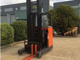Toyota Reach Truck - picture2' - Click to enlarge