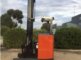 Toyota Reach Truck - picture3' - Click to enlarge