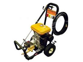 Crommelins Subaru 3200PSI Pressure Washer, 9hp - picture2' - Click to enlarge