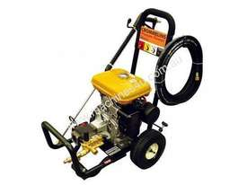 Crommelins Subaru 3200PSI Pressure Washer, 9hp - picture8' - Click to enlarge