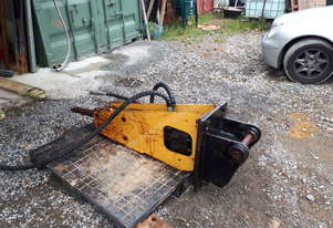 Rock breaker to suit 5 ton excavator