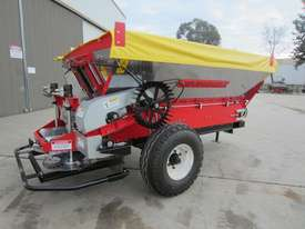 2018 IRIS VIKING 3000L TRAILING BELT SPREADER (3000L) - picture3' - Click to enlarge