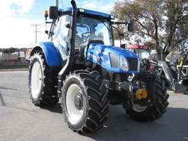 New Holland  FWA/4WD Tractor - picture0' - Click to enlarge