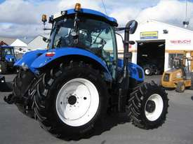New Holland  FWA/4WD Tractor - picture6' - Click to enlarge