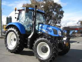 New Holland  FWA/4WD Tractor - picture3' - Click to enlarge