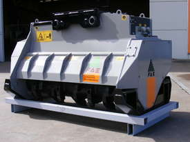 Mulcher with fixed teeth rotor for excavators having a weight between 18 and 25 t. - picture3' - Click to enlarge