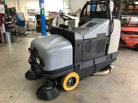 Used Fiorentini I115 Sweeper/ scrubber - picture0' - Click to enlarge