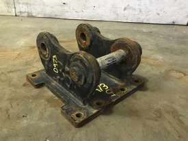 HEAD BRACKET TO SUIT 2-3T EXCAVATOR D973 - picture0' - Click to enlarge