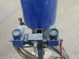 Dete High Pressure spray pump - picture2' - Click to enlarge