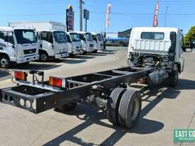 2010 MITSUBISHI FUSO CANTER Tray Top   - picture4' - Click to enlarge