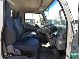 2010 MITSUBISHI FUSO CANTER Tray Top   - picture9' - Click to enlarge