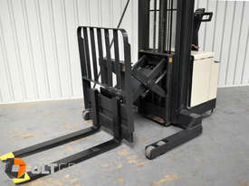 Used Crown Walk Behind Reach Truck WR30 1.5 Tonne Walkie Stacker - picture2' - Click to enlarge