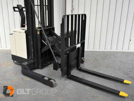 Used Crown Walk Behind Reach Truck WR30 1.5 Tonne Walkie Stacker - picture7' - Click to enlarge