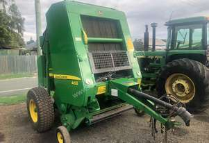John Deere 468 Silage Special Variable Chamber Round Baler