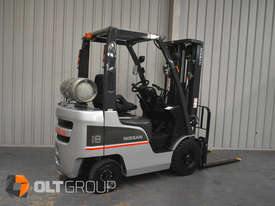 Nissan P1F1A18DU 1.8 Tonne 4300mm Lift Height 3 Stage Container Mast Sideshift Forklift - picture2' - Click to enlarge