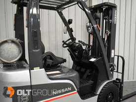 Nissan P1F1A18DU 1.8 Tonne 4300mm Lift Height 3 Stage Container Mast Sideshift Forklift - picture6' - Click to enlarge