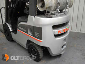 Nissan P1F1A18DU 1.8 Tonne 4300mm Lift Height 3 Stage Container Mast Sideshift Forklift - picture8' - Click to enlarge