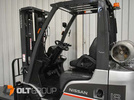 Nissan P1F1A18DU 1.8 Tonne 4300mm Lift Height 3 Stage Container Mast Sideshift Forklift - picture9' - Click to enlarge