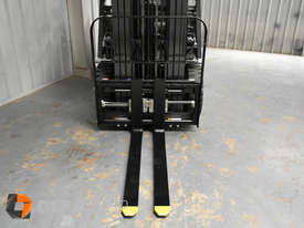 Nissan P1F1A18DU 1.8 Tonne 4300mm Lift Height 3 Stage Container Mast Sideshift Forklift - picture13' - Click to enlarge