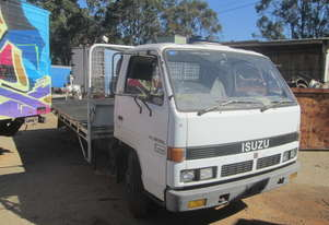 1989 Isuzu NPR59 - Wrecking - Stock ID 1545