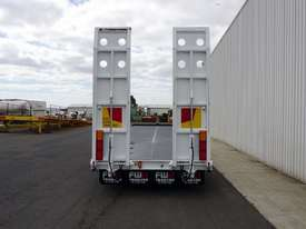 2018 FWR Tri-Axle Tag Trailer - picture6' - Click to enlarge