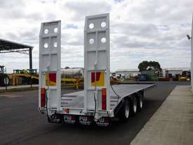 2018 FWR Tri-Axle Tag Trailer - picture7' - Click to enlarge