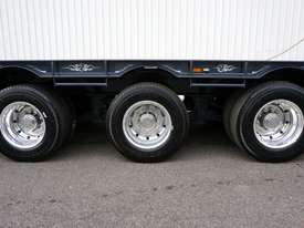 2018 FWR Tri-Axle Tag Trailer - picture9' - Click to enlarge