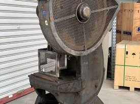 Used C frame METAL PRESS 30 TON John Heine 203A - picture0' - Click to enlarge