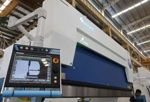 New ACCURL Euro Pro B HYBRID CNC Pressbrake - Lead The Way & Set an Example