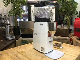 MAZZER KOLD CUSTOM WHITE BRAND NEW ESPRESSO COFFEE GRINDER - picture0' - Click to enlarge