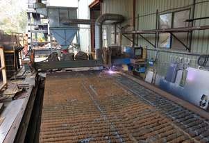 Hypertherm HPR260 Plasma Cutter sold as full working Set Dust extraction system, & Compressor