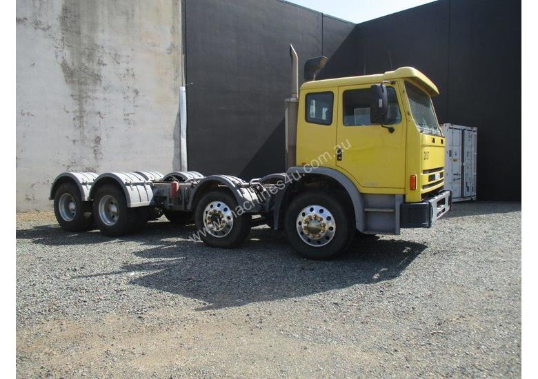 2005 IVECO 2350G CAB/CHASSIS