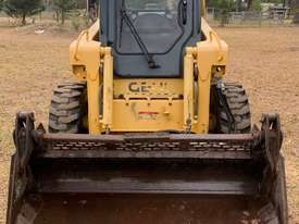 Wheeled skid steer  - picture0' - Click to enlarge